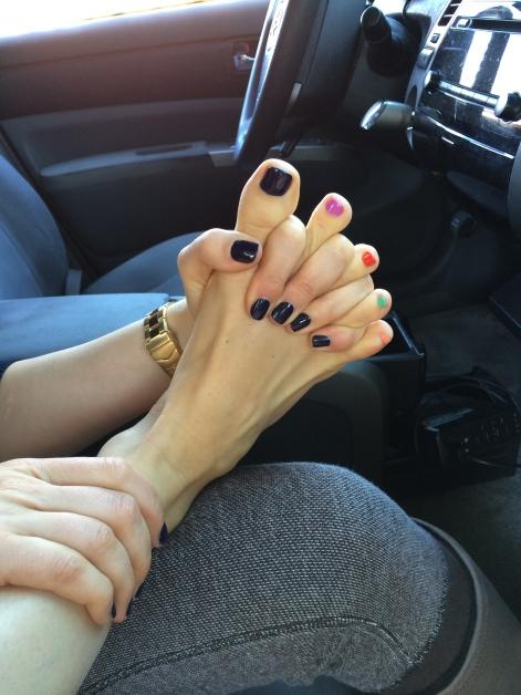 toe handshake